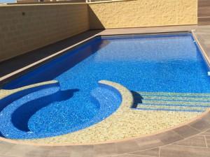 08-piscina-spa-incorporado