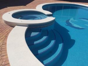 19-spa-desbordate-en-piscina