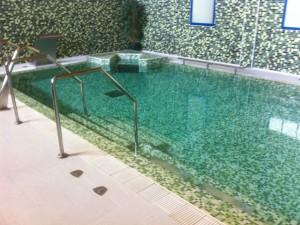 30-entrada-piscina-spa-lujo