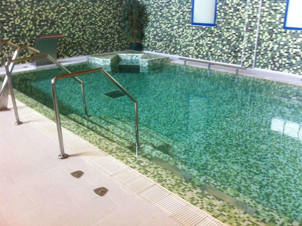 Trabajos en piscinas piscinas saymi murcia for Entrada piscina