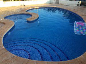 construccion-de-piscinas-con-jacuzzi