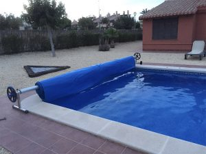 cobertor-para-piscina-enrollable-venta