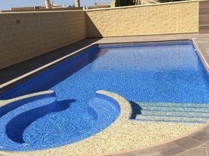 construccion-de-piscinas-con-jacuzzi-murcia
